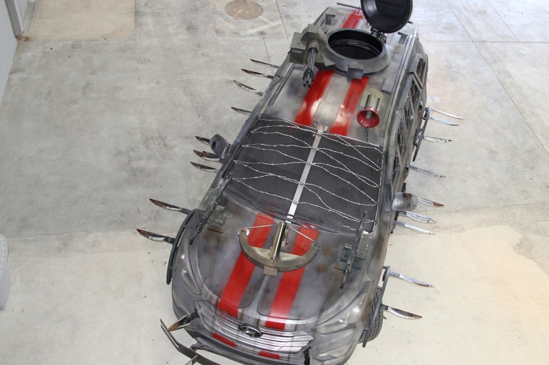 2013_Hyundai_Santa_Fe_Zombie_Survival_Machine_3