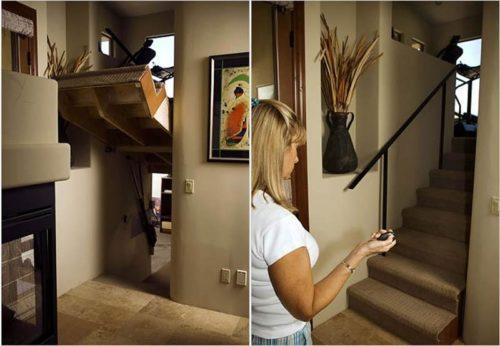 неожиданный вход под лестницей