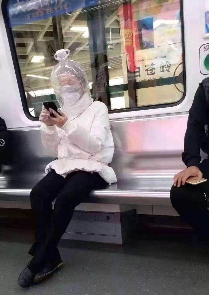 люди пытаются защитить себя от коронавируса фото